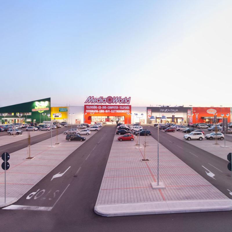 Shopping Center Eagle